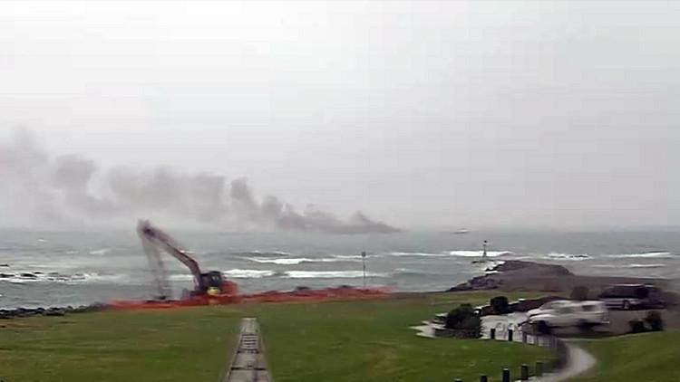 Arde un buque con casi 60 pasajeros cerca de Nueva Zelanda