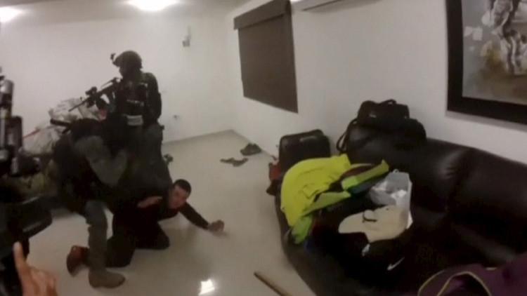 Detención de un sospechoso durante el operativo de captura de 'El Chapo' el 8 de enero de 2016.