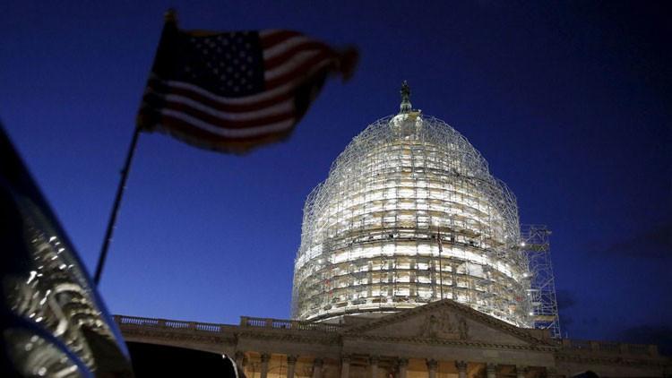 Cerca de su autodestrucción: la caída económica y la pérdida de poder ponen a EE.UU. junto al abismo