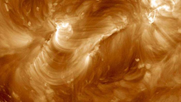 La impresionante cascada de arcos magnéticos captada por la NASA que le dejará con la boca abierta