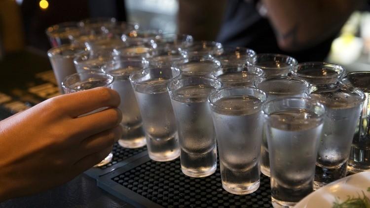¿Qué pasa si dejamos de tomar alcohol y café durante 15 meses?