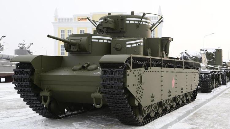 Rusia recrea un símbolo del poder militar de la URSS: el tanque T-35