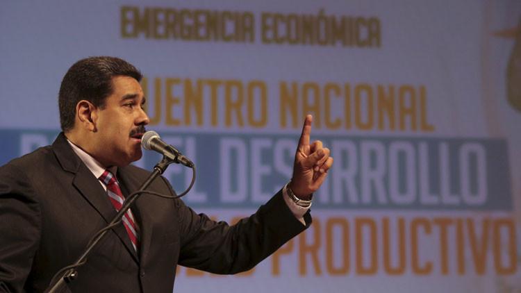 """Maduro: """"Rajoy, ocúpese de los problemas de España"""""""