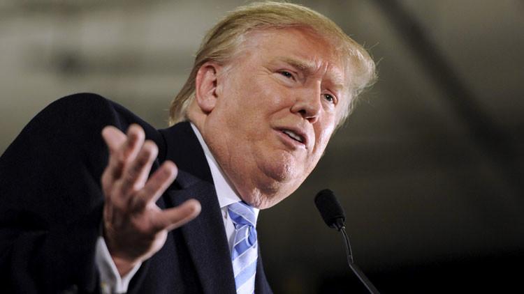 """Donald Trump: """"Vamos a obligar a Apple a fabricar sus malditos dispositivos en EE.UU."""""""