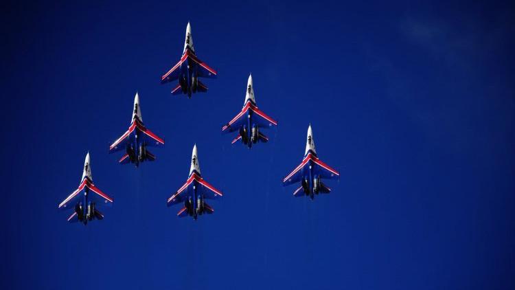 Aviones acrobáticos rusos no pueden ir a Baréin porque no tienen permiso para sobrevolar Irán