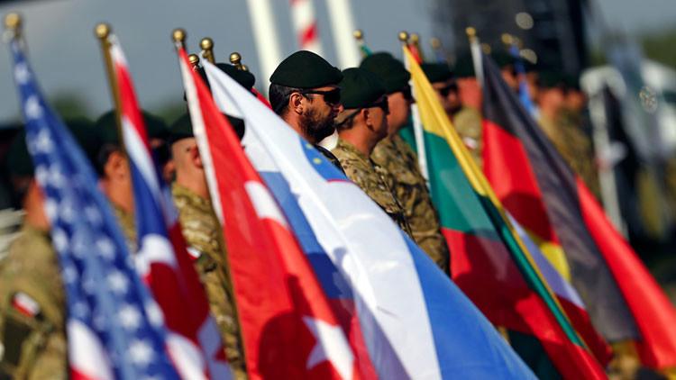 A galope: La OTAN se aproxima desafiante a las fronteras con Rusia