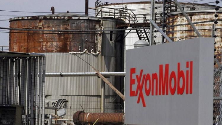 EE.UU.: Se reporta fuego y columnas de humo en una planta de Exxon Mobil en Texas (Fotos)