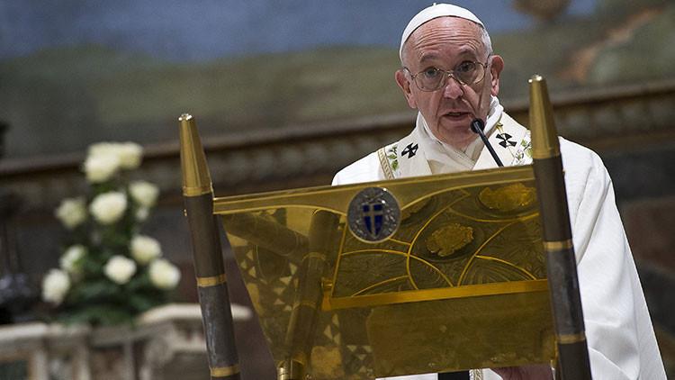 ¿Qué nos mata y envenena?: El papa Francisco lo enseña en su sermón