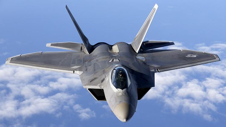 EE.UU. envía a su base aérea en Japón 12 cazas sigilosos F-22