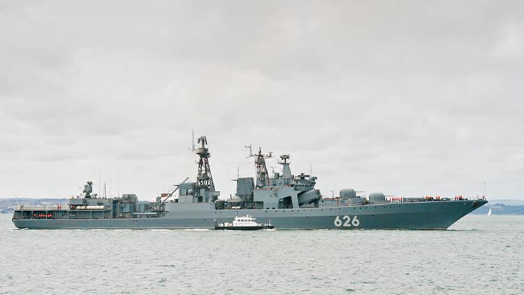 Rusia enseña los 'dientes' de sus buques de guerra en Siria a periodistas extranjeros (VIDEO)
