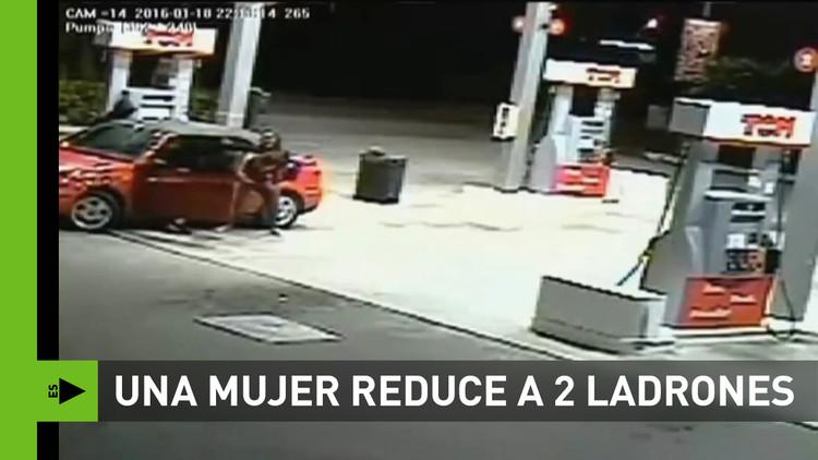 Dos ladrones armados no pueden con una mujer