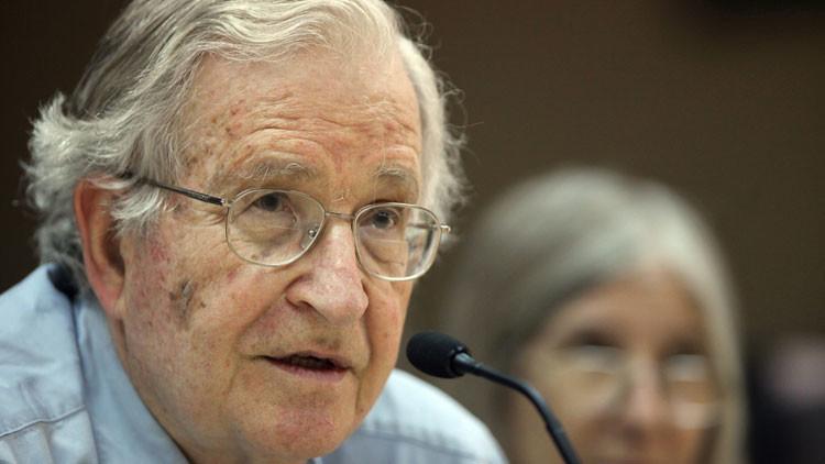 """Chomsky: """"Erdogan es un asesino con un régimen autoritario"""""""