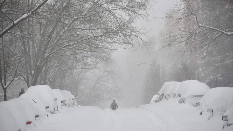 'Snowzilla', la madre de todas las tormentas: Jonas inunda la Red de imágenes curiosas