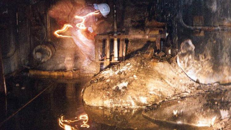 Una oscura foto de material radiactivo de Chernóbil es la 'selfie' más arriesgada de la historia