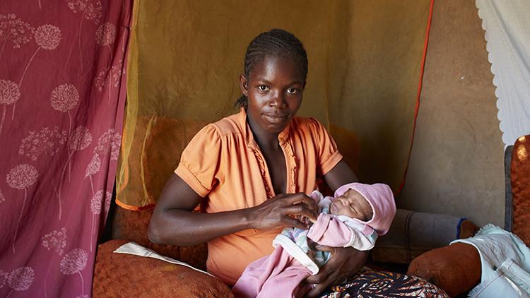 ¿Cómo es ser madre en uno de los países más pobres del mundo?