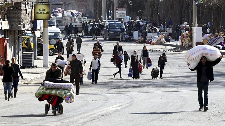 Turquía: Decenas de muertos y miles de desplazados tras una operación antikurda en Diyarbakir