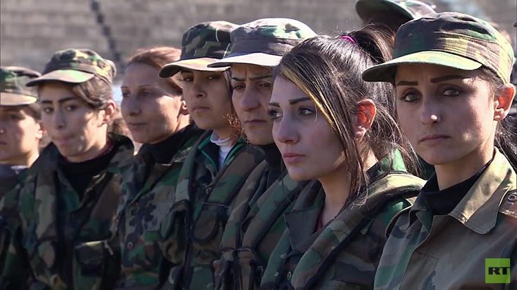 """""""Ahora nos toca a nosotras"""": Así se entrenan las mujeres soldado sirias"""