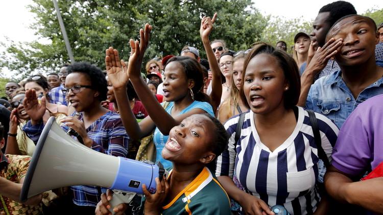 Ofrecen polémicas becas a jóvenes que sean vírgenes