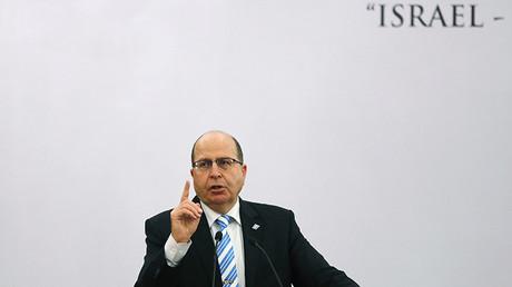 El ministro de Defensa de Israel Moshé Yalón