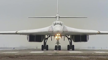 Un bombardero estratégico Tu-160 tras realizar una misión contra las posiciones del Estado Islámico en Siria