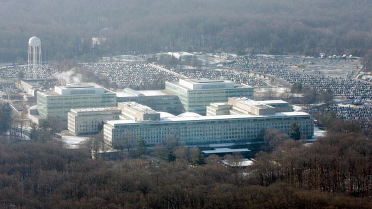Escándalo en la CIA: la agencia engaña a sus propios empleados con documentos internos falsos