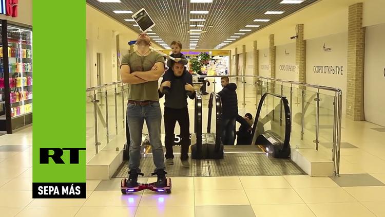 El 'Daniel el travieso ruso' acaba con el iPad de un presumido equilibrista