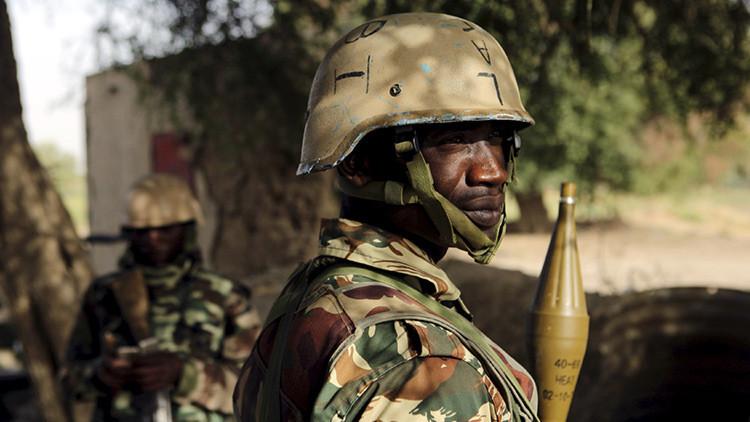 Ataque efectivo: Un dron de la Fuerza Aérea de Nigeria destruye una base de Boko Haram (Video)