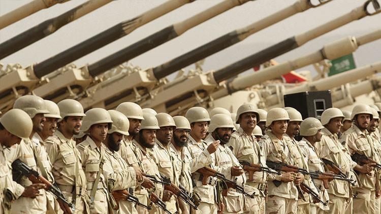Arabia Saudita expresa disposición a unirse a operaciones terrestres contra el EI en Siria