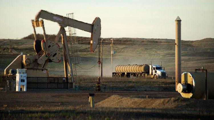 Obama presenta un plan que acabaría con las compañías petroleras de EE.UU.