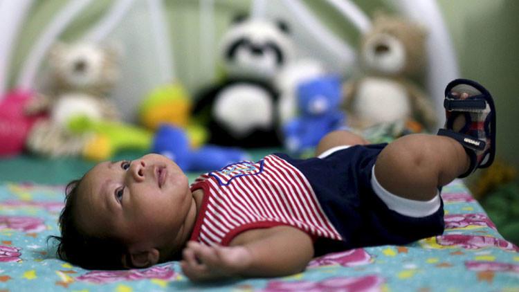"""Científicos descubren que los bebés tienen la """"supercapacidad"""" de ver objetos invisibles"""