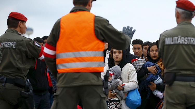 Austria podría enviar tropas a los Balcanes para cortar el flujo de refugiados