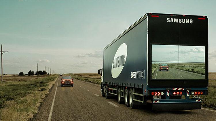 Un 'camión transparente' salvavidas invade las carreteras de Argentina (Videos)