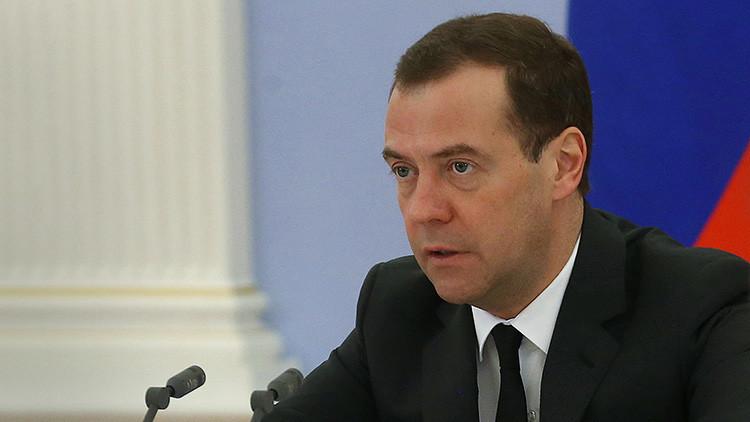 """Medvédev: """"La situación de los refugiados en la UE se asemeja a un desastre humanitario"""""""