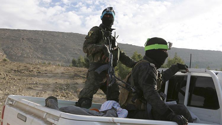 Combatientes kurdos del YPG en el sur de Kobani, Siria