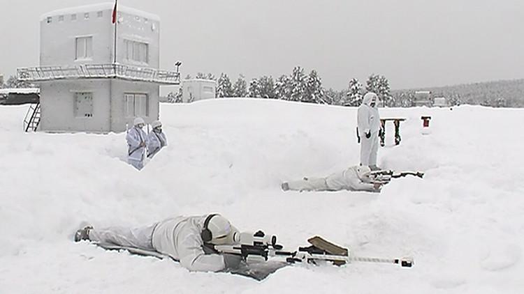 'Francotiradores de hielo': Militares rusos desafían las condiciones invernales más extremas