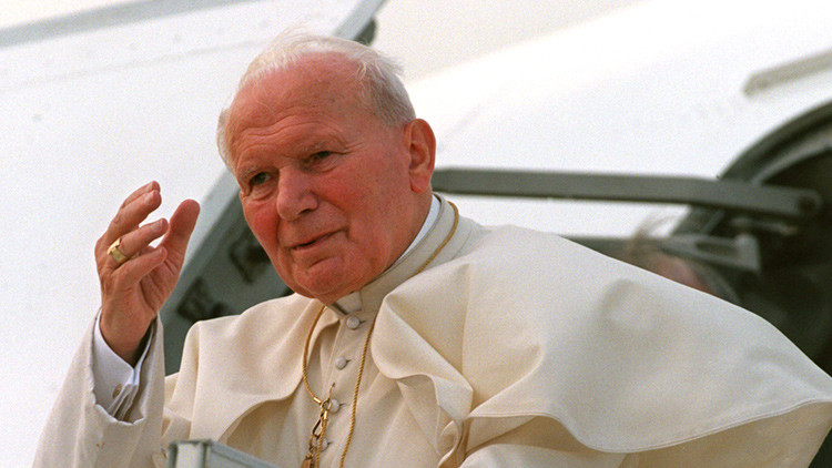 """¿La cara oculta de Juan Pablo II?: Cientos de cartas revelan su """"intensa"""" amistad con una mujer"""
