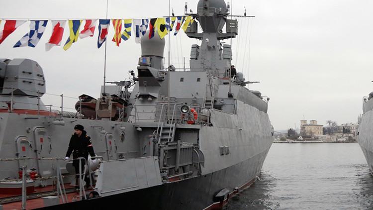 Una corbeta rusa con misiles de crucero Kalibr-N entra en el Mediterráneo y se dirige a Siria