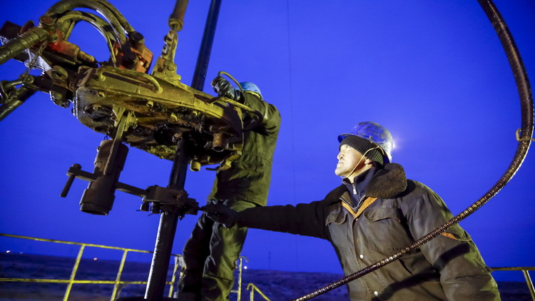 ¿Se disparará el precio? Preguntas y respuestas sobre el acuerdo de la producción petrolera