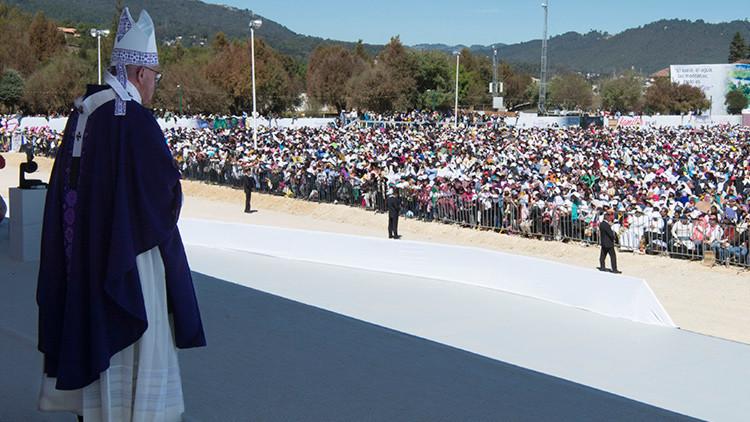Francisco ofrece misa en Michoacán, uno de los estados más violentos de México