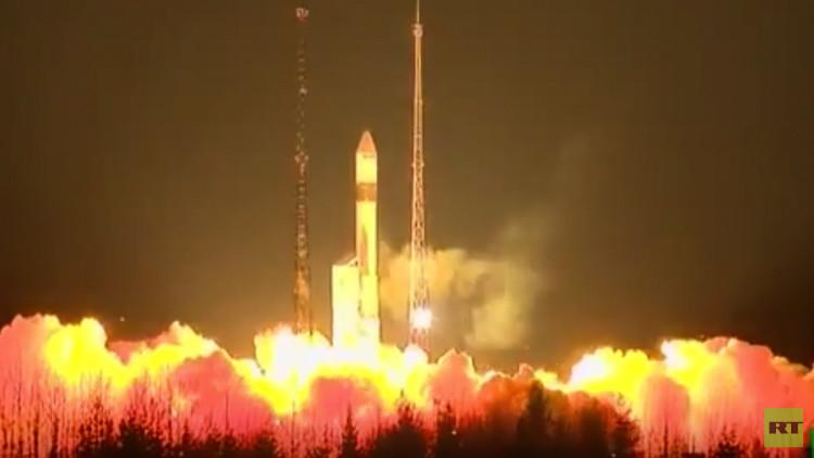 Rusia lanza un cohete portador Rokot con un satélite europeo Sentinel-3A a bordo