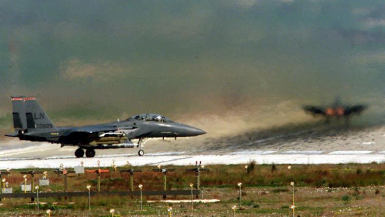 Dos cazas F-15 de EE.UU. en la base aérea de Incirlik, sur de Turquía