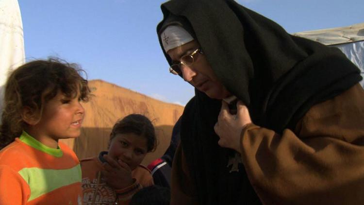 """""""Vi lagos de sangre"""": Una monja narra los horrores del yihadismo en Siria"""