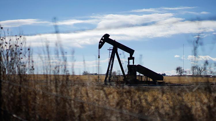 Arabia Saudita no reducirá la producción de petróleo