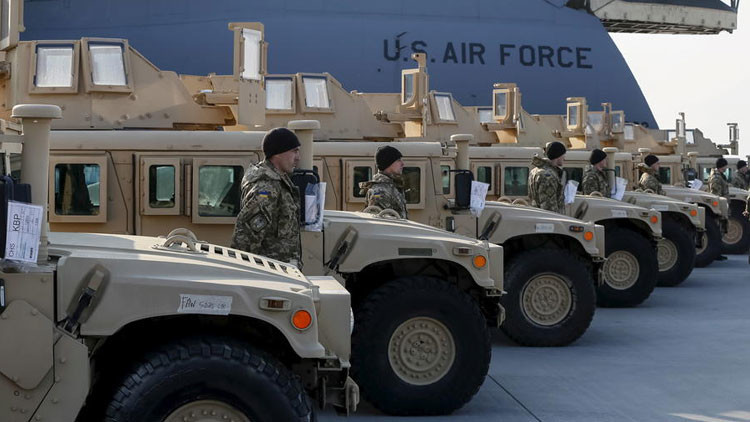Plena disposición combativa: EE.UU. acumula armamento en cuevas cerca de la frontera con Rusia