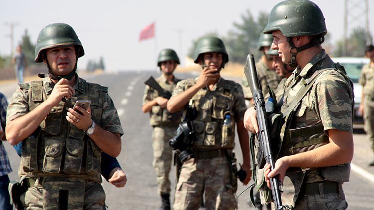 ¿Cómo reaccionarían militares turcos ante posible decisión de Erdogan de cruzar la frontera siria?