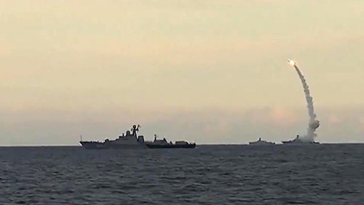 Rusia 'planta' misiles Kalibr en el corazón del conflicto sirio