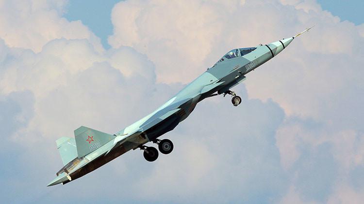 Hasta las nubes en unos segundos: Caza ruso T-50 rompe el récord de la velocidad de trepada