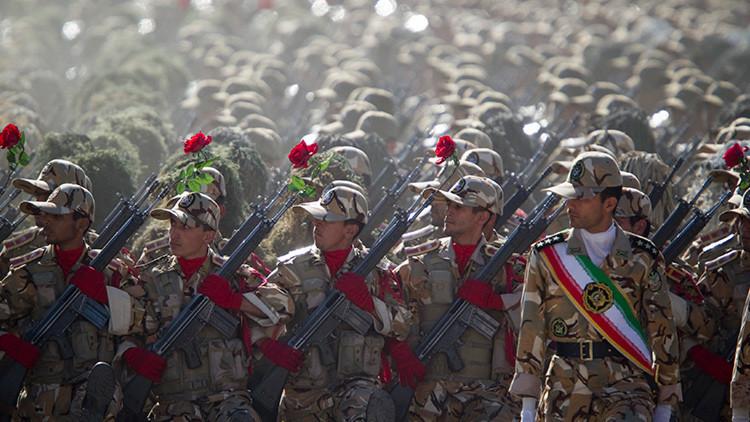 Desfle de tropas iraníes en Teherán, en 2010.