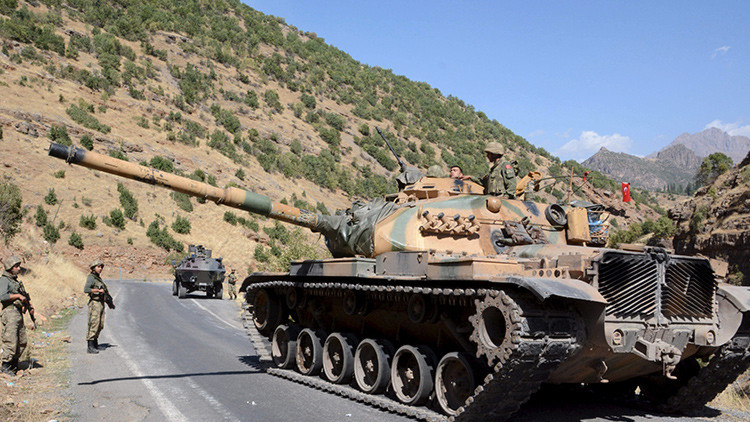 Cueste lo que cueste: Turquía busca cualquier pretexto para invadir Siria