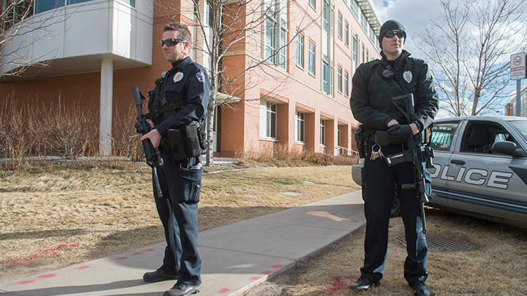 ¿Asesinos o profesionales? Policías de EE.UU. matan a bocajarro a un afroamericano (video)